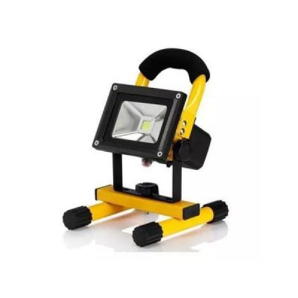 Proiector led de exterior putere 10W , portabil, incarcare auto sau la priza